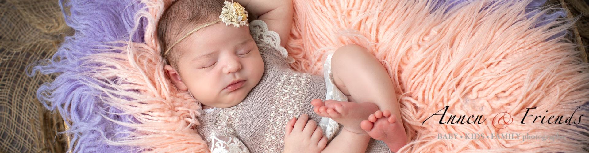 Babybauch-, Newborn- & Baby-Shooting