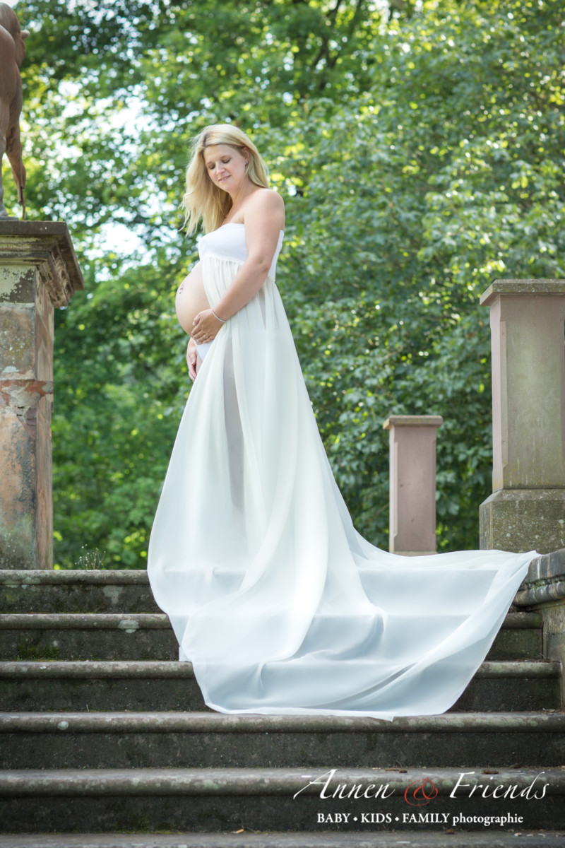 Outdoor Babybauch-Shooting